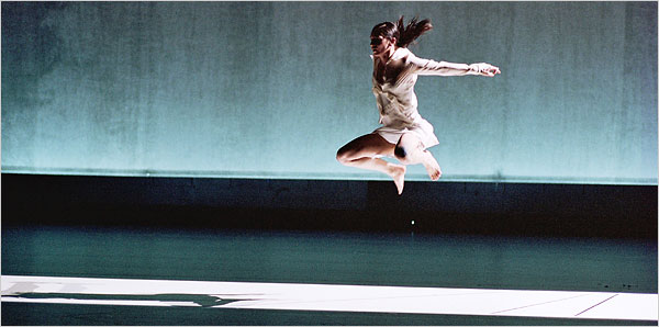 Anne Teresa De Keersmaeker's Drumming. Photo: Herman Sorgeloos
