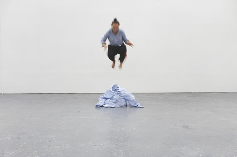 Tuula, by Clémence Hémard-Hermitant (sculptor) and Ellen Johansson (choreographer)