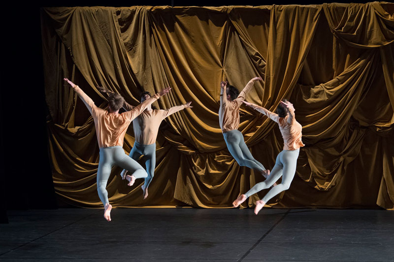 CCN Ballet de Lorraine in Merce Cunningham's Sounddance. Photo: Laurent Philippe