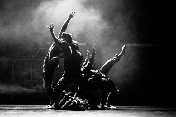 Virtuoso visual drama from Iron Skulls Co, Spain, at Breakin' Convention 2015