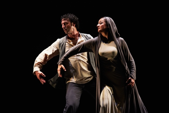 Ángel Muñoz and Mayte Bajo in Paco Peña's Patrias. Photo: Andy Phillipson