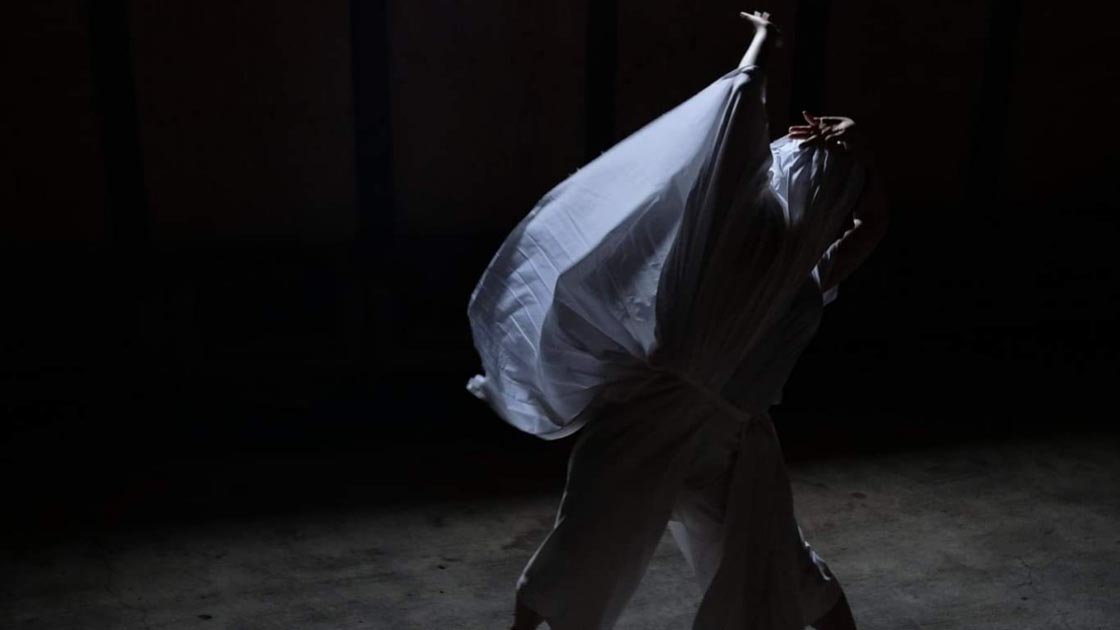 Satoko Fukuda, In the Middle of Nowhere, solo dance