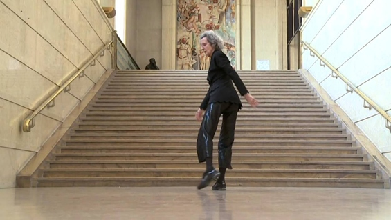 Trisha Brown's last performance: Vue sur les marches (Paris, 2011)